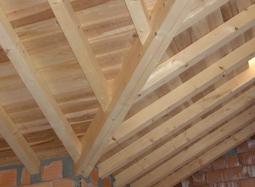 Produzione perline per sottotetto pavimento segheria for Sottotetto in legno